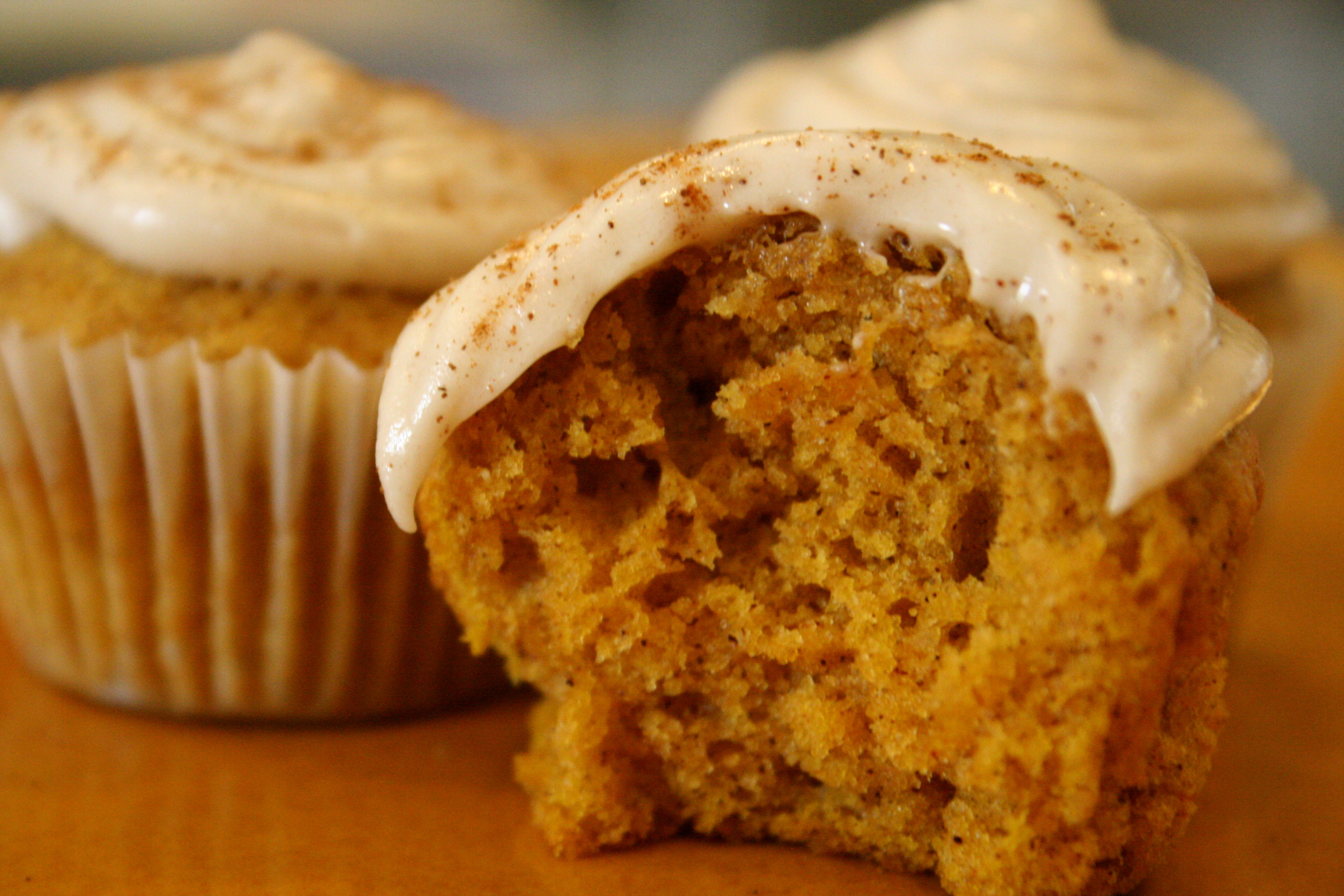 pumpkin cupcakes with cream pumpkin cupcakes cream cheese frosting ...